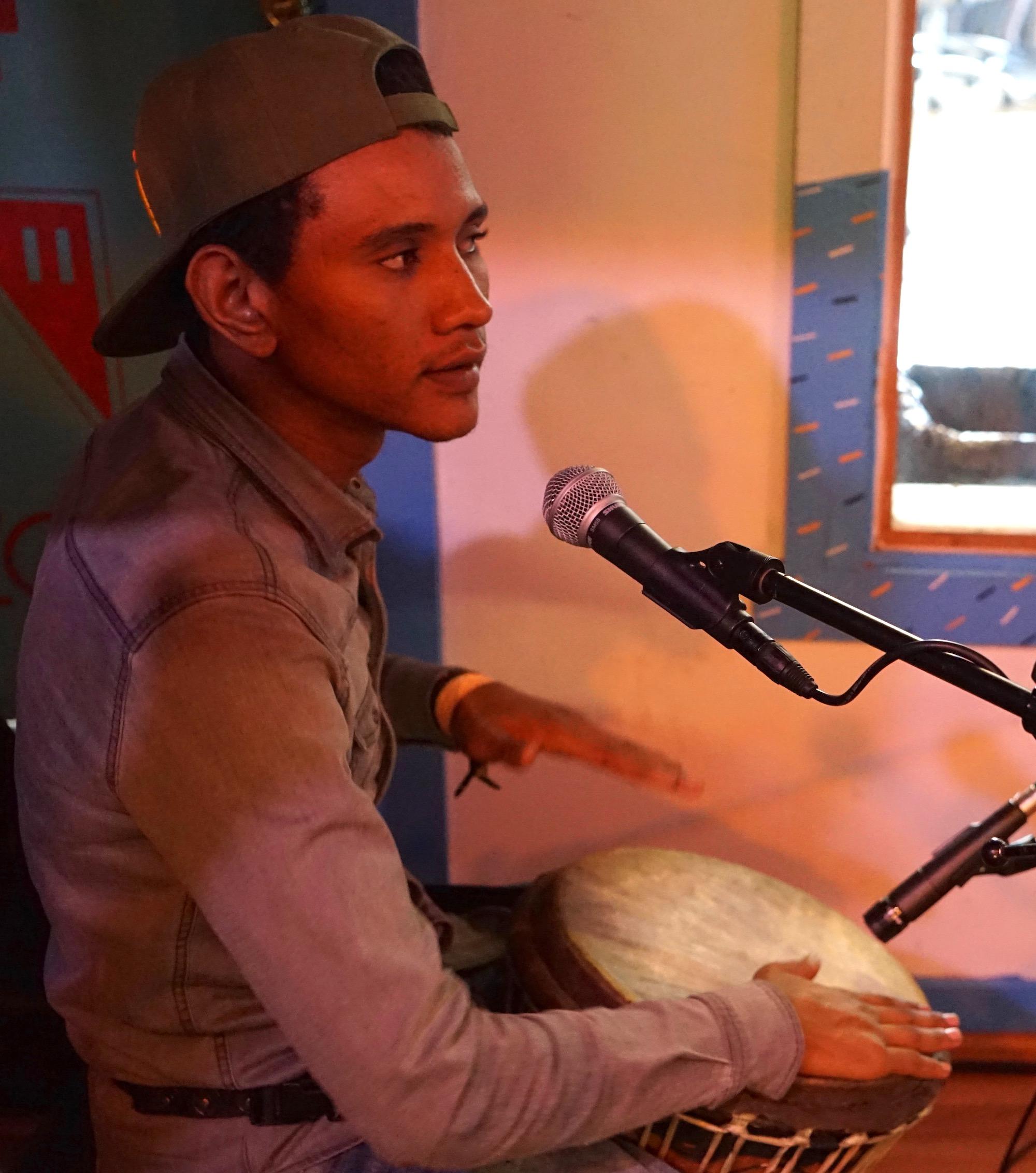 mdou_moctar_drummer
